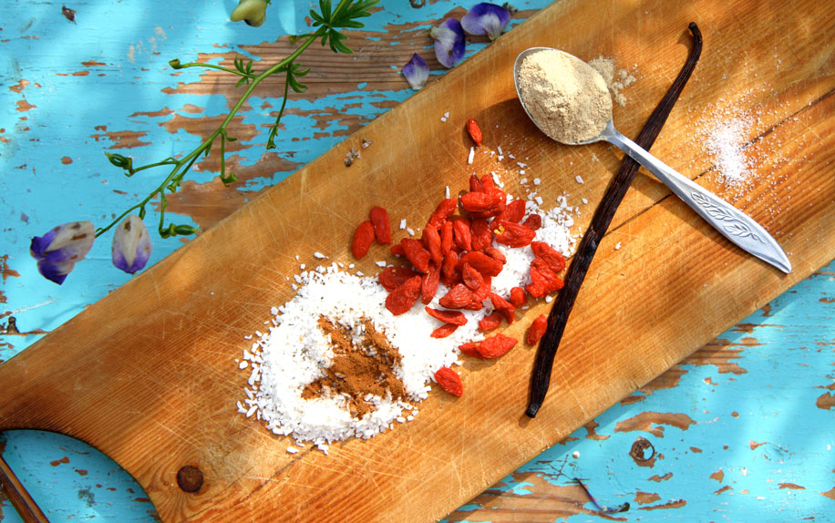 Raw_Carrot_Cake_ingredients