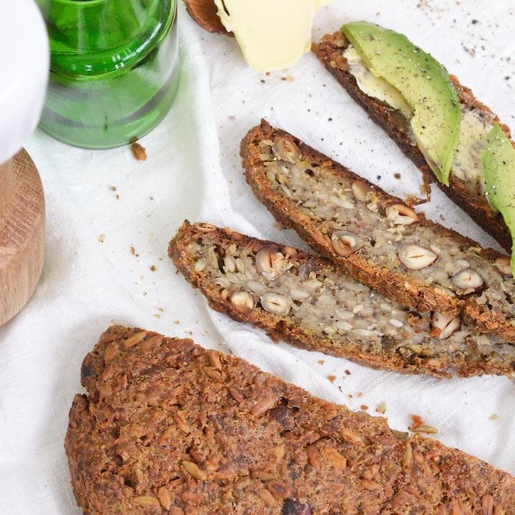 gluteenitonleipä_gluteenitonsiemenleipä_maidoton_yellowmood_leipä103