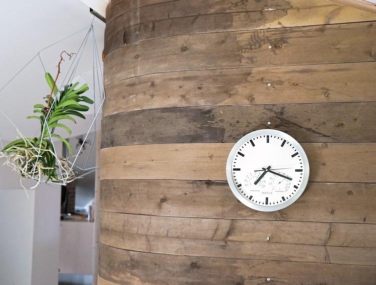 interiordesign_yellowmood_livingroom_woodenwall_DIY_renovation 1