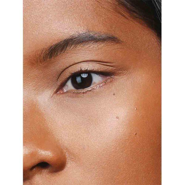 Mádara Luminous Perfecting Concealer -Nestemäinen Peitevoide Hazelnut 55